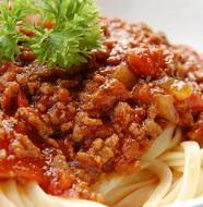 macaroni ou spaghetti à la bolognaise très facile