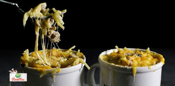 mug cake facile aux fromages et saucisses